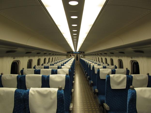 乗客ゼロの東海道新幹線