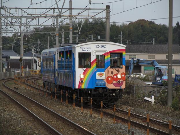 Photos: 瀬戸大橋アンパンマントロッコ返却回送