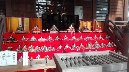 境内にもひな人形@座間神社