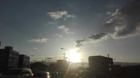 三島駅前駐車場からの朝日