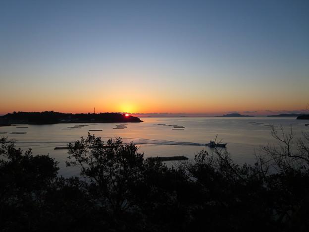 瀬戸内海の日の出(室津)