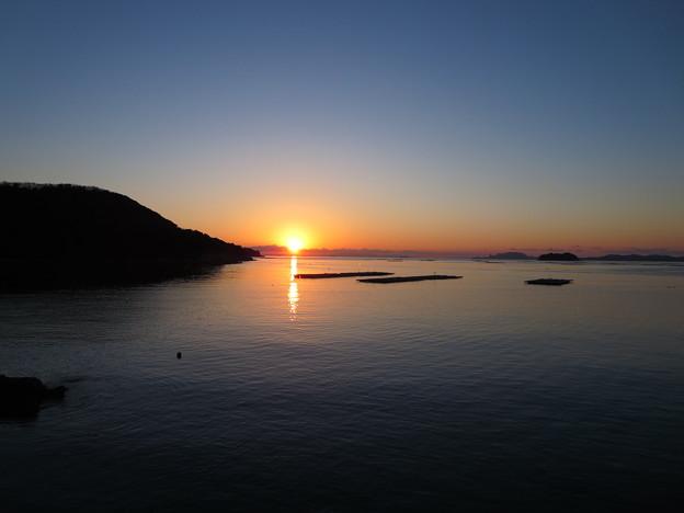 瀬戸内海の朝陽(室津)