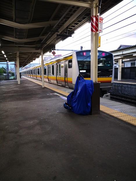 石和温泉駅に南武線車両 なぜに。