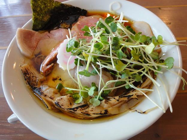 自家製麺 うろた『醤油の純鶏ソバ(肉増し)』