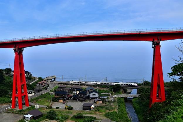 米山大橋です。