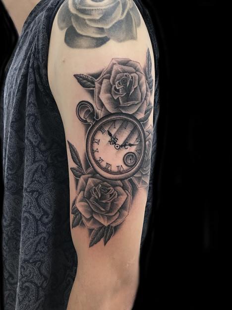懐中時計と薔薇