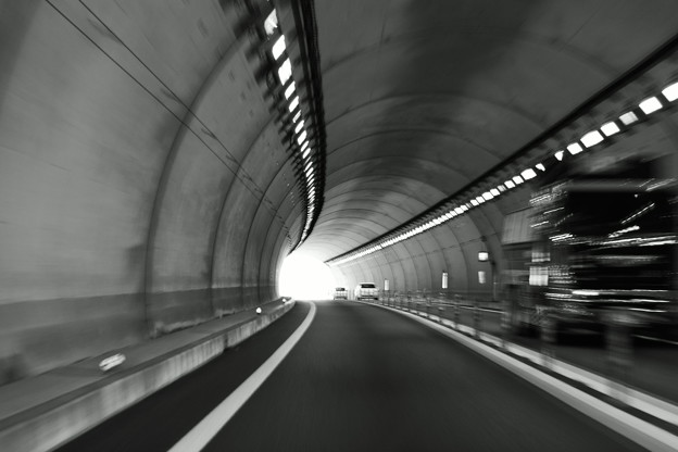Photos: トンネル疾走2
