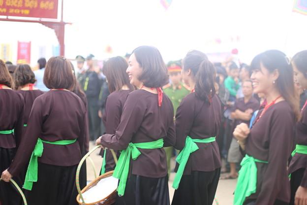 103ベトナム-1 Smiles in Spring Festival