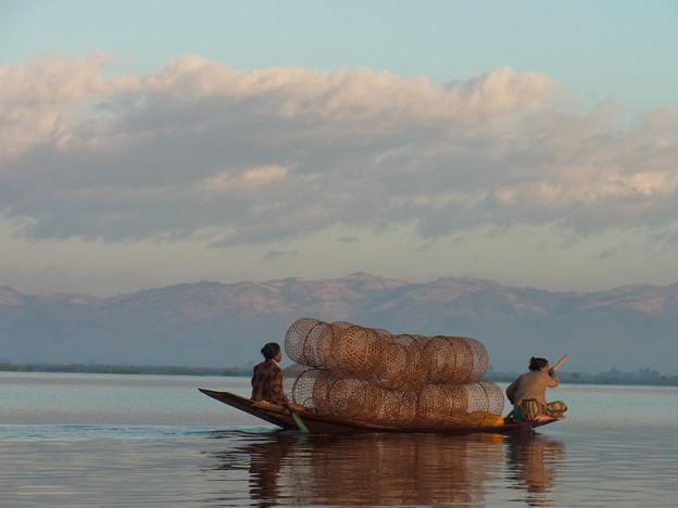 50ミャンマー -1魚を獲りに