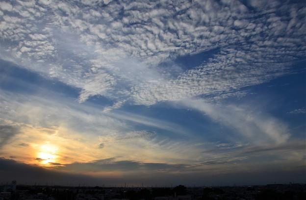 写真: 空に舞う雲