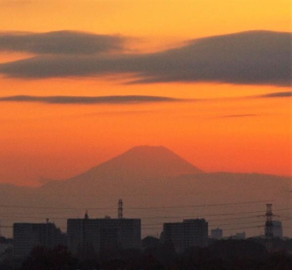 遠望の富士