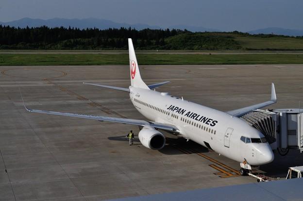 フォト蔵0529秋田空港JAL 01_01