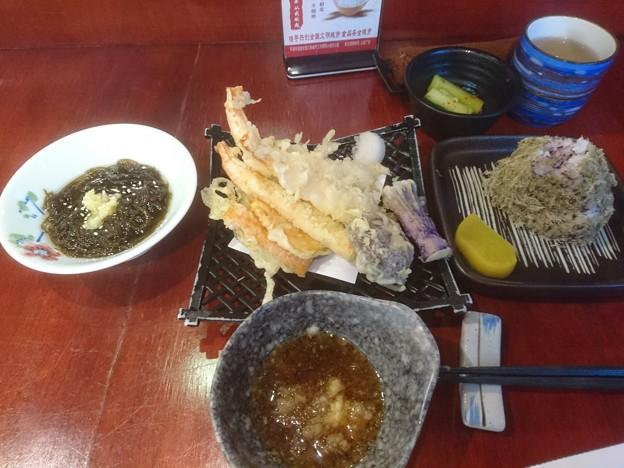 車海老の天ぷら もずく とろろ梅紫蘇おにぎり