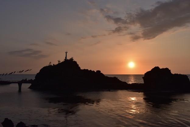 弁天岩と夕焼け