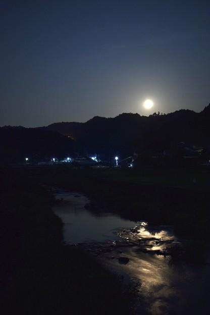Photos: ストロベリームーンの夜