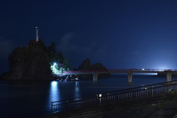 夜の弁天岩