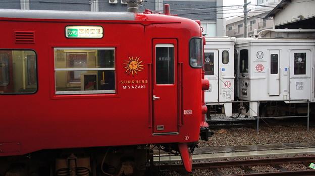 JR九州 713系 LK3とキハ125ー401+キハ125-402