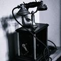 写真: 箱型電話