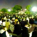 写真: 名港水上芸術花火 2015 No - 8:花火を見ようと集まった大勢の人(ガーデンふ頭臨港緑園)
