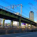 写真: ささしまライブ24:JICA中部国際センター前から見た、あおなみ線の高架