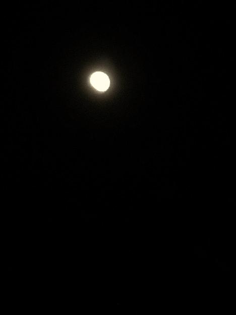 iPhone 8で撮影した皆既月食:欠け始め - 4