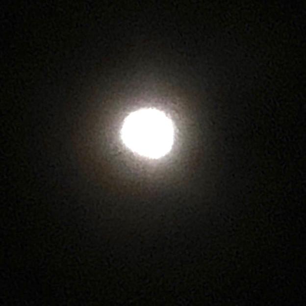 iPhone 8で撮影した皆既月食:欠け始め - 7