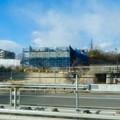 写真: 桃花台線の桃花台中央公園南側高架撤去工事(2018年2月4日):中央道走る高速バス車内から見た工事現場 - 1