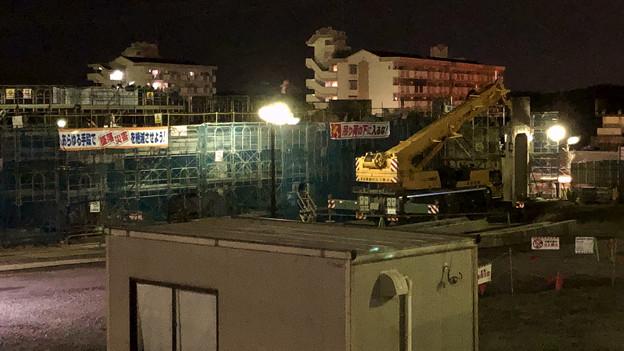 写真: 解体進む桃花台線の桃花台中央公園南側高架撤去工事(2018年2月8日) - 2