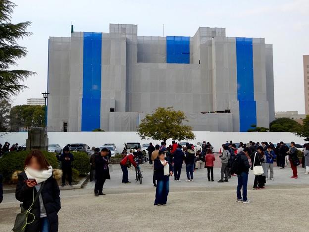 ポケモンGoのイベント「コミュニティデイ」開催でたくさんの人が集まっていた鶴舞公園(2018年2月24日) - 5:改修中の名古屋市公会堂前
