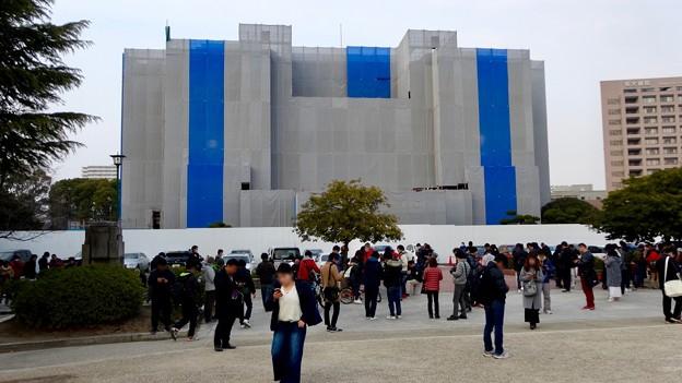 ポケモンGoのイベント「コミュニティデイ」開催でたくさんの人が集まっていた鶴舞公園(2018年2月24日) - 6:改修中の名古屋市公会堂前