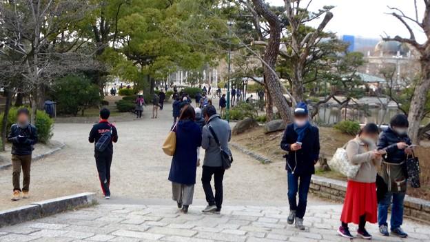 ポケモンGoのイベント「コミュニティデイ」開催でたくさんの人が集まっていた鶴舞公園(2018年2月24日) - 12