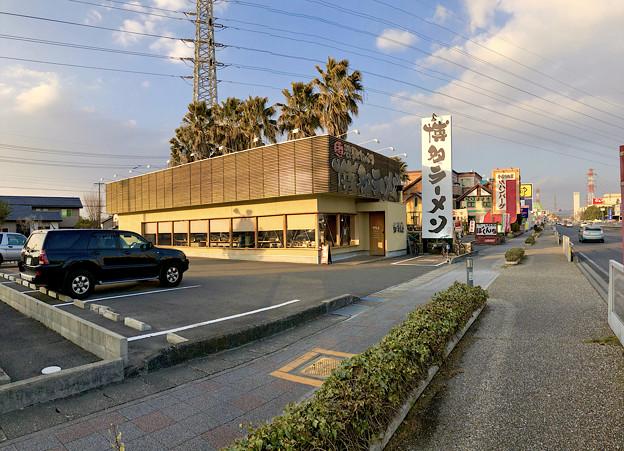 鶴亀堂 春日井店 - 2:パノラマ