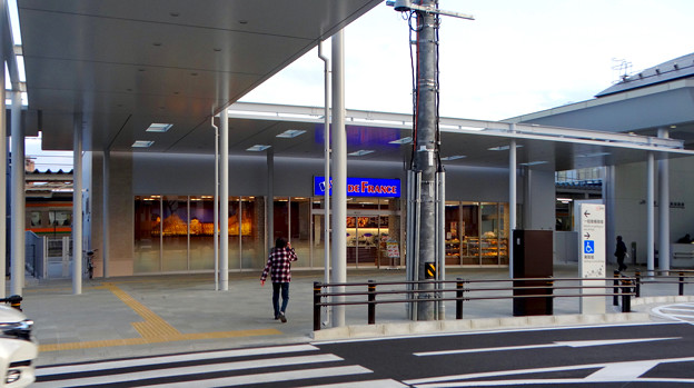 整備工事が終わったJR春日井駅(2018年4月8日) - 14:パン屋の「ヴィ・ド・フランス」もオープン!