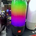 写真: JBLのカラフルに色が変わるスピーカー「JBL PULSE 3」 - 3