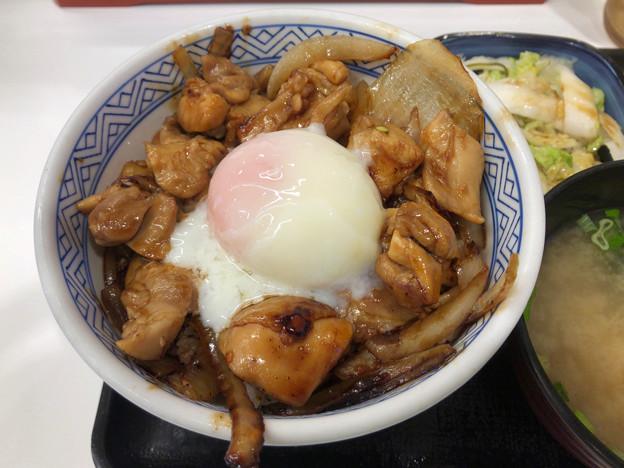 吉野家:鶏すき丼(お新香味噌汁セット) - 2