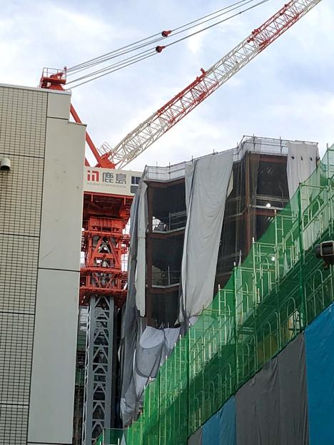 建設工事中の小牧市民病院の新しい建物(2018年4月26日) - 3:巨大クレーン