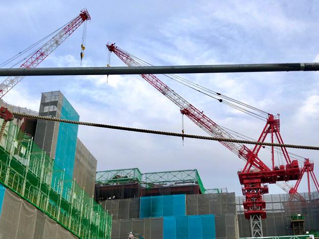 建設工事中の小牧市民病院の新しい建物(2018年4月26日) - 4:巨大クレーン