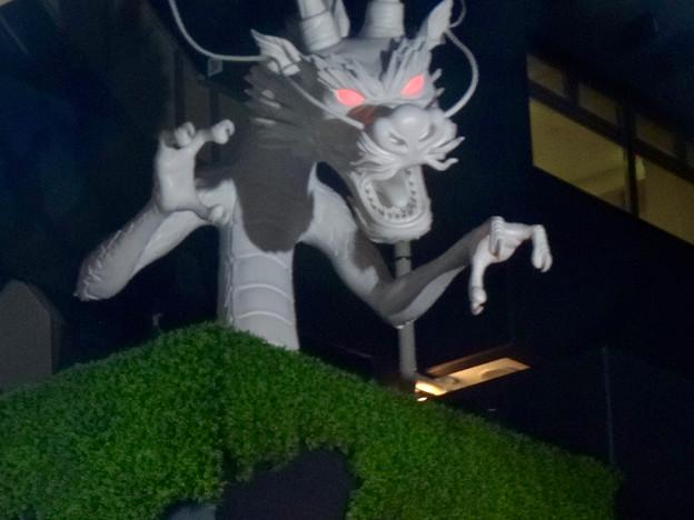 大須万松寺:龍の像に様々なエフェクト!? - 8(目が紅く光る)