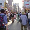 写真: 大須赤門ニッパチ祭 2018年4月 No - 3:大勢の人で賑わう赤門通り