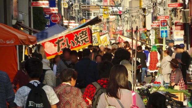 大須赤門ニッパチ祭 2018年4月 No - 18:大勢の人で賑わう赤門通り