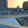 桃花台線の旧車両基地進入高架撤去工事(2018年5月10日) - 4:撤去済みの部分に設置されたフェンス