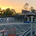 写真: 桃花台線の旧車両基地進入高架撤去工事(2018年5月10日) - 6:撤去済みの部分に設置されたフェンス