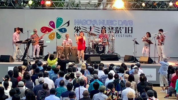 栄ミナミ音楽祭 2018 No - 51:Noraさん(オルケスタ・デ・ラ・ルス)のライブパフォーマンス