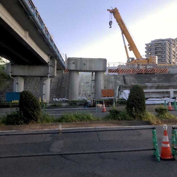 桃花台線の旧車両基地進入高架撤去工事(2018年5月19日):撤去後に残された橋脚部分 - 4
