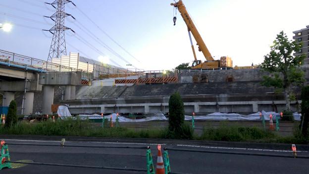 桃花台線の旧車両基地進入高架撤去工事(2018年5月19日):撤去された高架部分 - 2