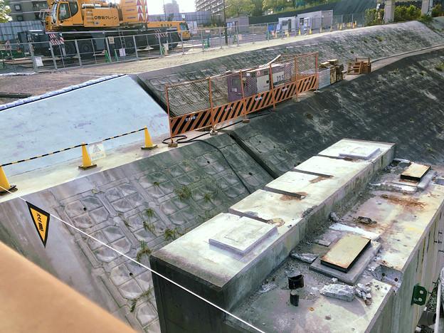 桃花台線の旧車両基地進入高架撤去工事(2018年5月20日):高架の元接続部 - 1