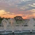 写真: 落合公園から見た夕焼け - 5:夕焼けと噴水