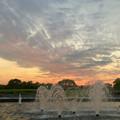 写真: 落合公園から見た夕焼け - 3:夕焼けと噴水