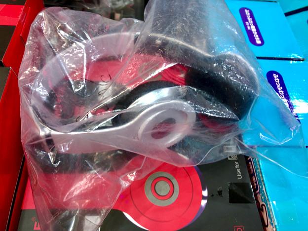 大須商店街のお店で売ってた「Beats」そっくりのヘッドホン - 3