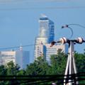 写真: 桃花台から見えたスパイラルタワーズ